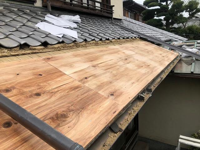 御所市の和風住宅の銅板屋根の野地板増し張り