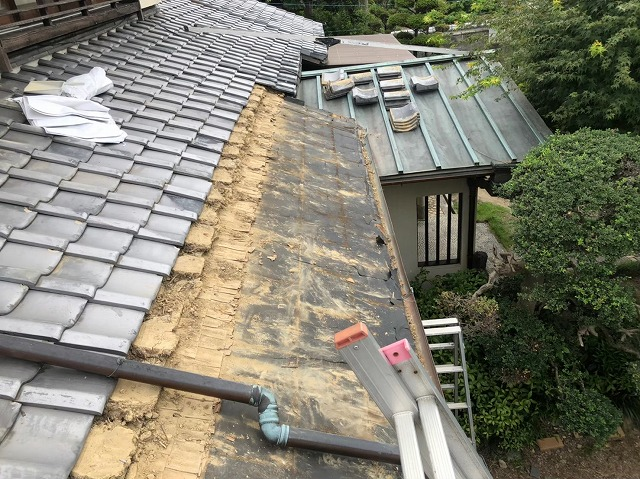 御所市の和風住宅の銅板屋根撤去