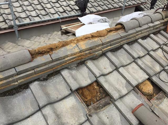 棟瓦と平瓦の修繕