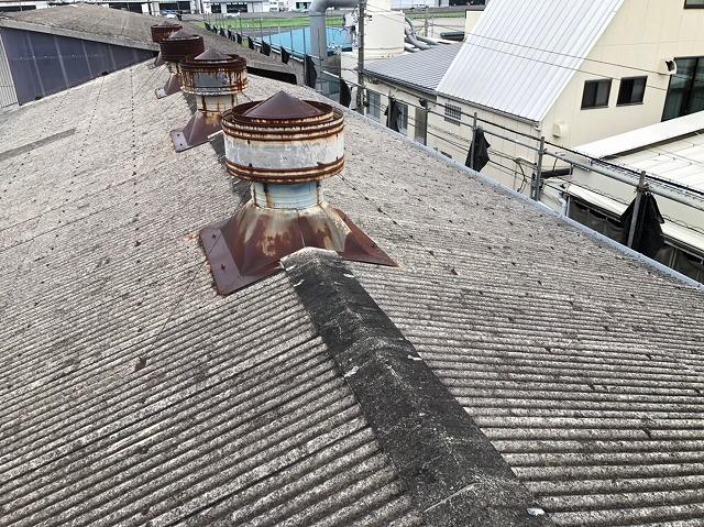 香芝市の大型工場の屋根上換気扇の点検