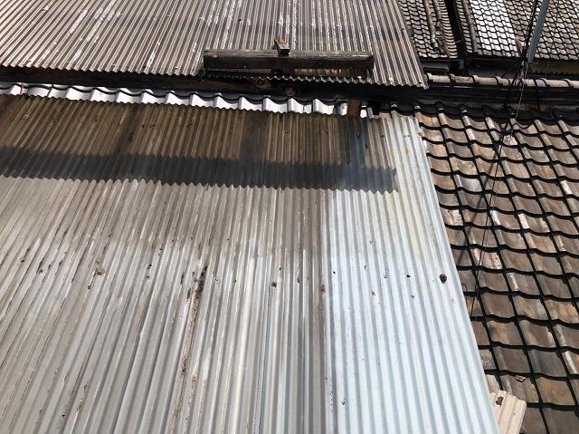 奈良市のトタン波板の屋根