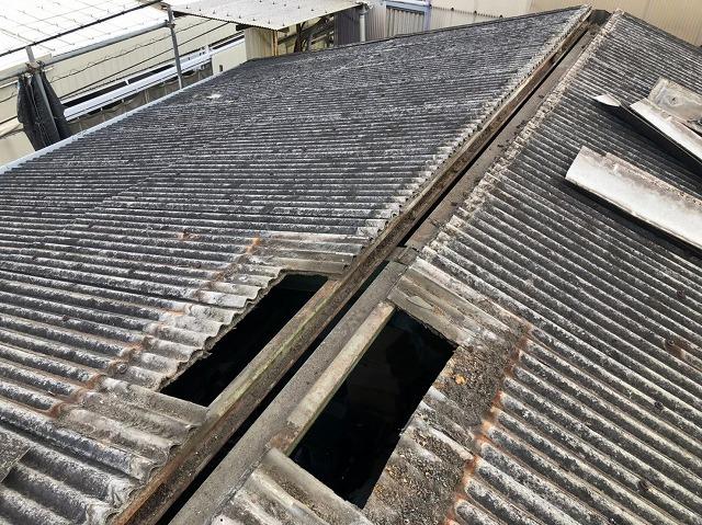 香芝市の棟板金を撤去した工場の屋根