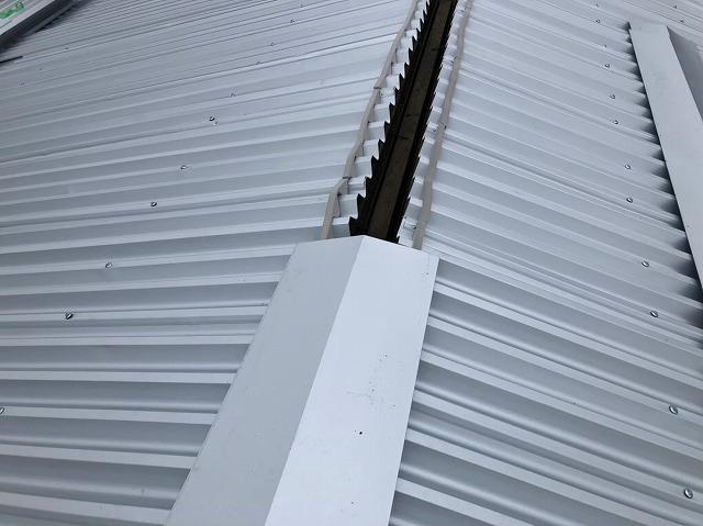 香芝市の工場で換気棟を設置する準備