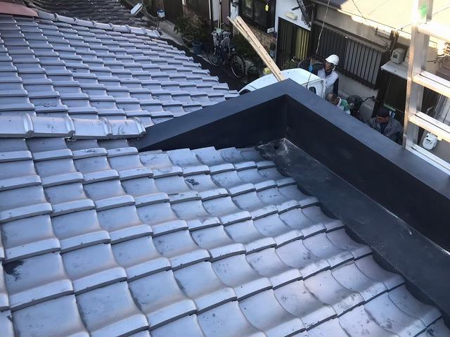 奈良市の雨漏り修理でパラペット笠木交換