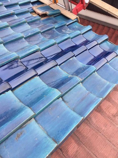 田原本町の青緑釉薬瓦の補修完成