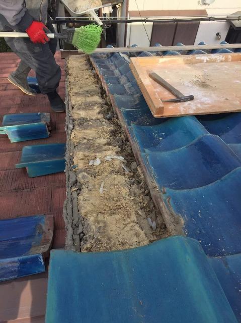 田原本町の青緑釉薬瓦の撤去