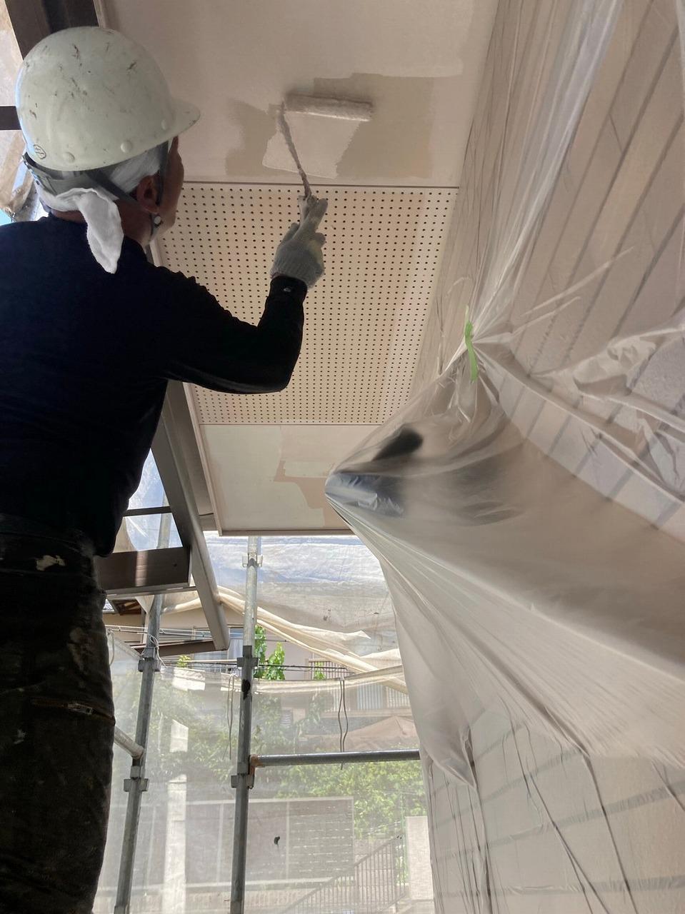 生駒市の外壁塗装工事、軒天塗装