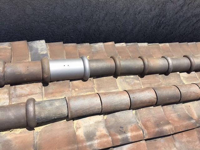 丸瓦のズレを補修