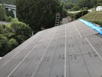 防水紙を張った屋根