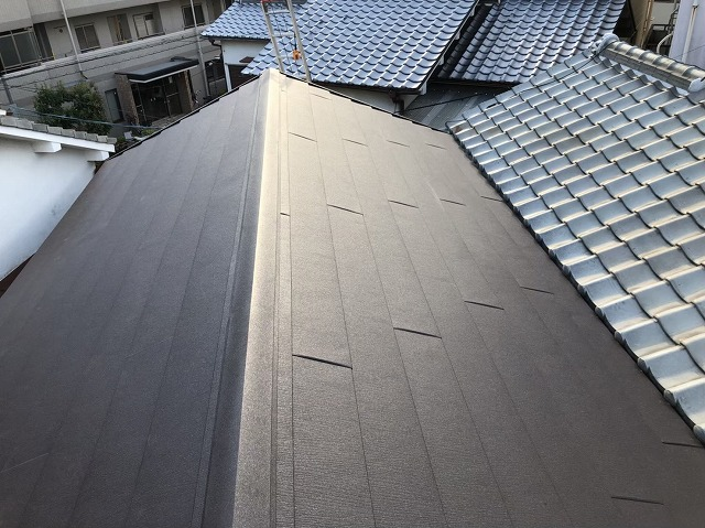 奈良市で横葺き屋根材のスーパーガルテクト設置