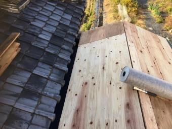 葛城町 複合屋根 野地板設置