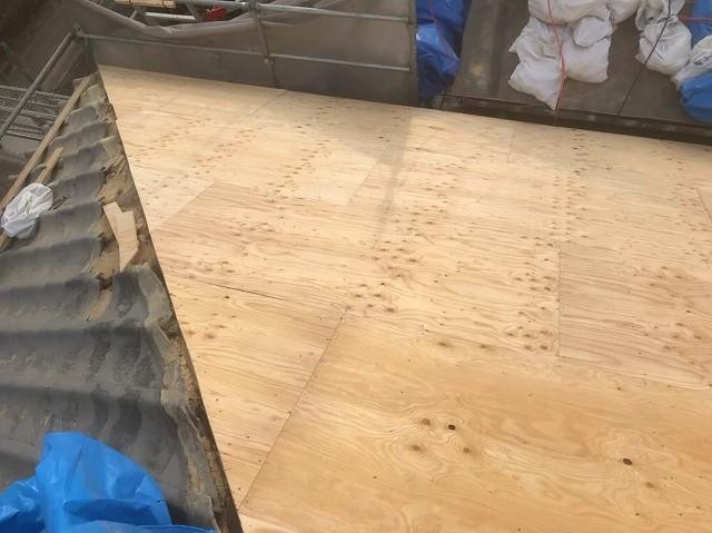 野地板の増し張りと瓦
