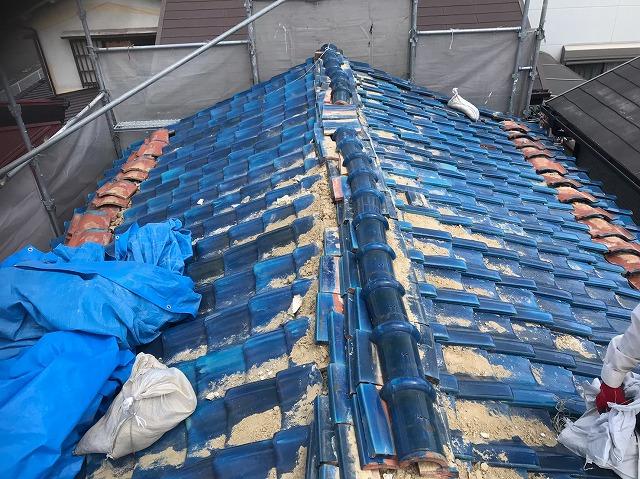 王寺町の青色釉薬瓦屋根の無料点検