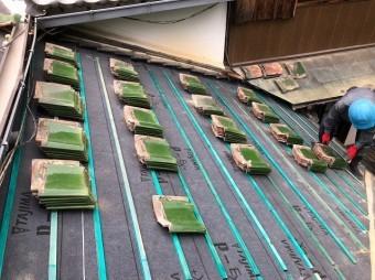 浅桟木の設置で乾式工法瓦の準備
