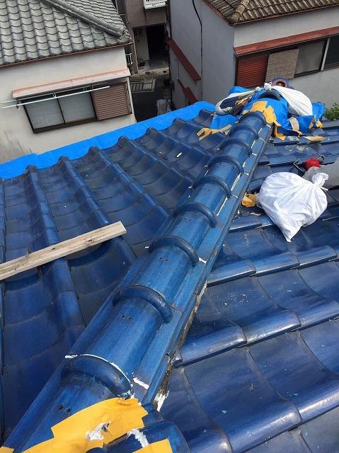 王寺町の釉薬瓦屋根の隅棟