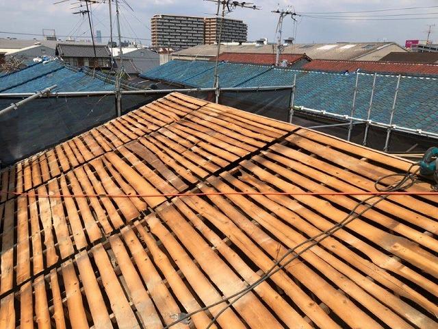 奈良市大宮町の屋根に防水シート張りカラーベスト張りました