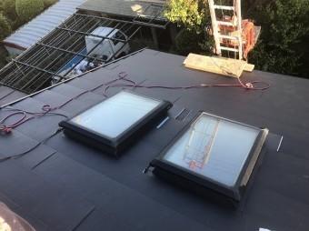 天窓部分ガルテクト設置中
