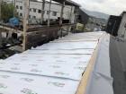 遮熱シートを張っている屋根