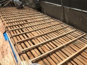 屋根の不陸調整