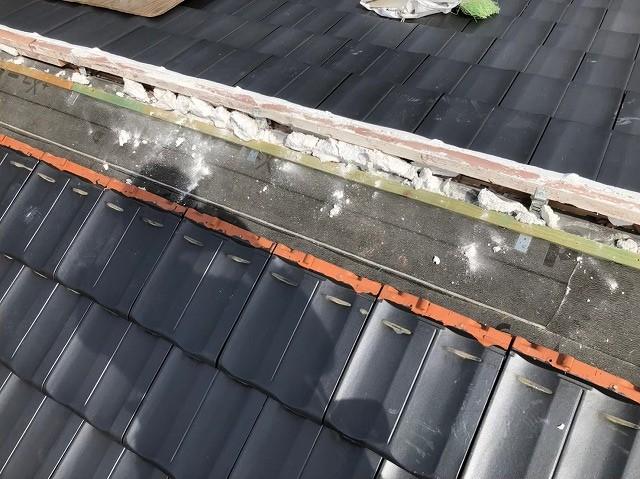 香芝市で太陽光発電設置に伴う平板瓦屋根の葺き直し工事の完成です