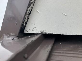 奈良市の雨漏りの住宅の屋根の取り合い