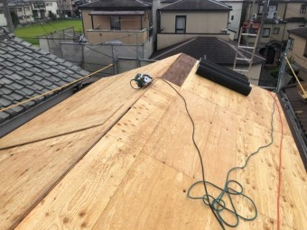 葛城市 葺き替え工事 野地板設置