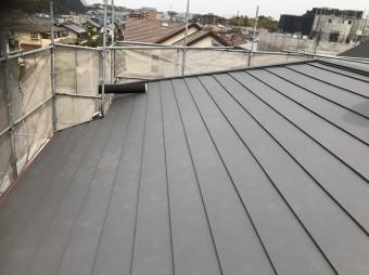 大屋根にガルテクトを設置
