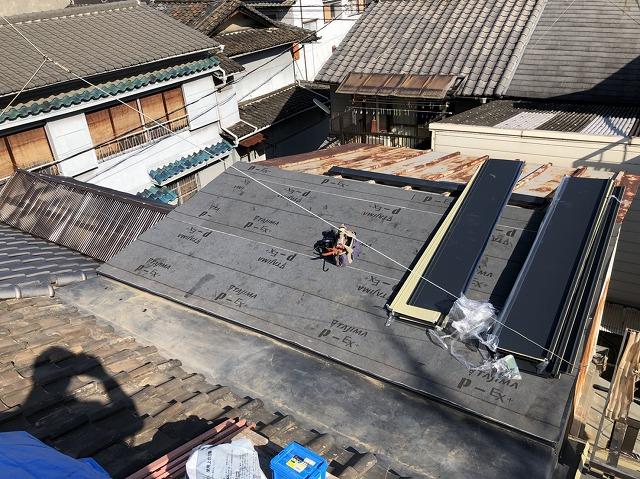 奈良 金属屋根 防水紙(ルーフィング)貼り