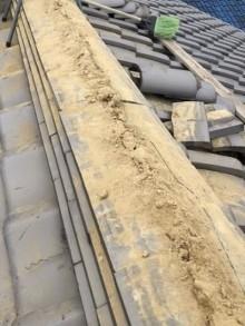 橿原市の和瓦屋根の崩れた棟の積み直し