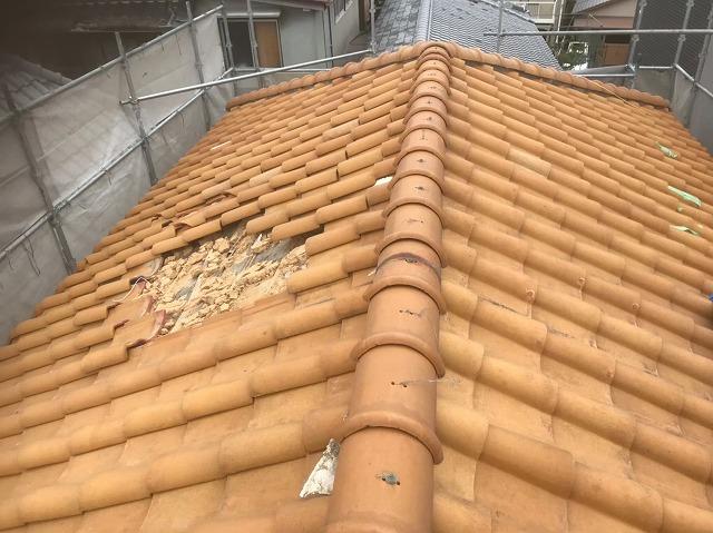 斑鳩町で台風にてS形瓦屋根の崩落