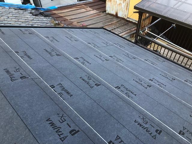 奈良市の雨漏り修理でルーフィングを設置