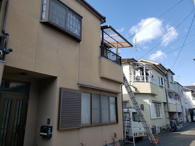 ベランダ屋根の波板交換工事内容とお見積り