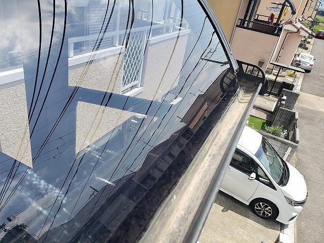 大和郡山市の割れたベランダ屋根の交換、新しい屋根材の設置