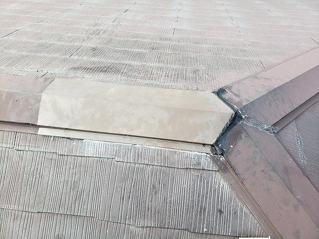 大和郡山市で棟板金の一部交換工事、棟板金のつなぎ