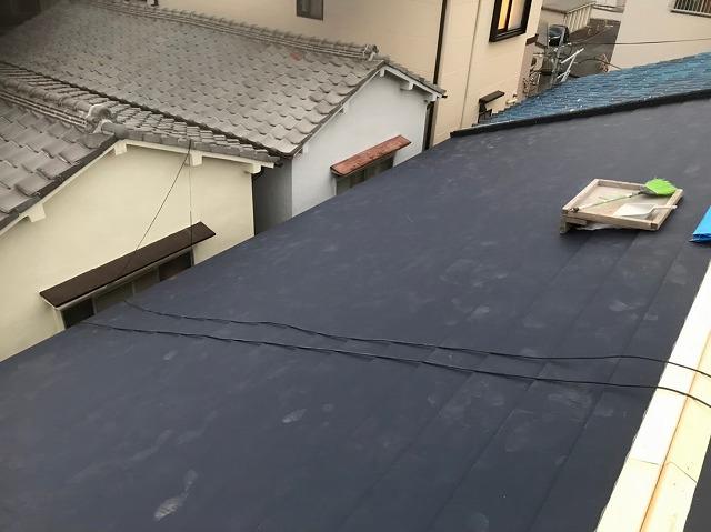 奈良市の屋根葺き替えで大棟に貫板設置