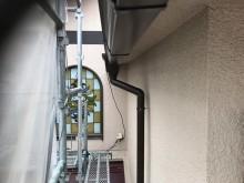 斑鳩町の雨樋交換で角樋設置