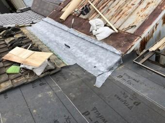 奈良市 雨漏りの和瓦屋根 防水紙貼り