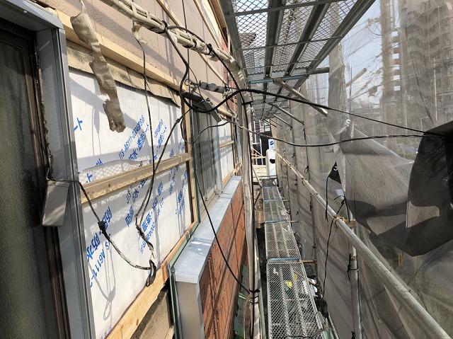 奈良市の店舗の外壁に胴縁設置