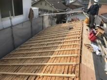 生駒市でもう片方の屋根面の高さ調整