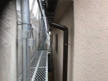 斑鳩町の雨樋交換の竪樋設置