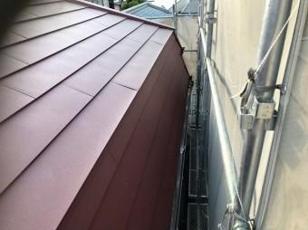 斑鳩町で急勾配屋根のガルテクト