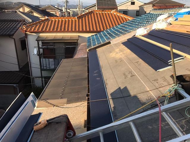奈良市のガルテクトへの屋根葺き替え工事中