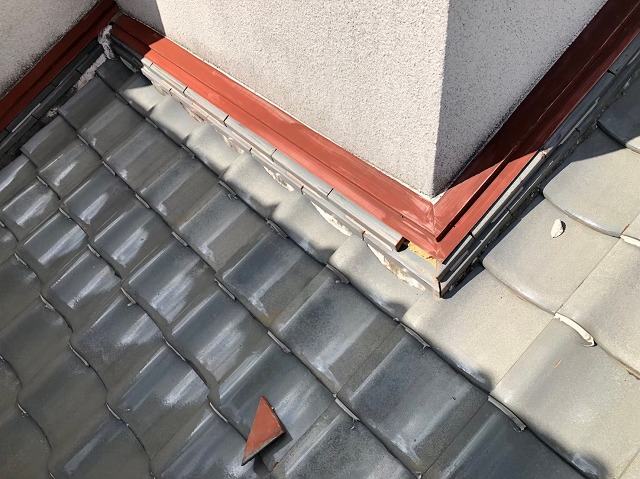 橿原市の瓦屋根の無料点検、下屋根の様子