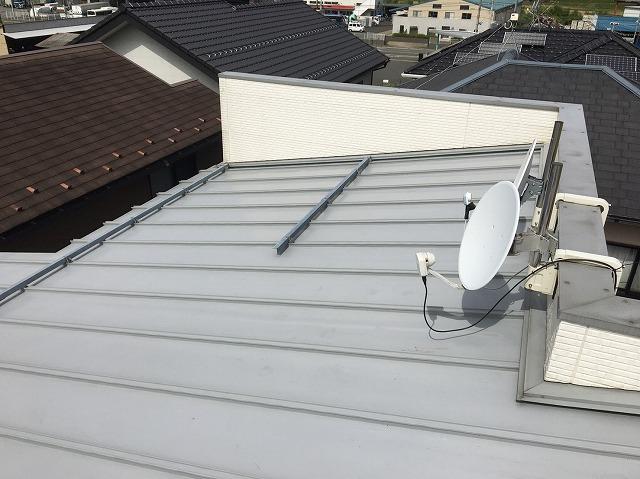香芝市の瓦棒葺きトタン屋根施工前