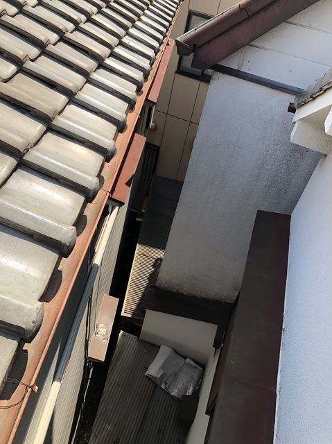 奈良市陶器瓦屋根の色あせ
