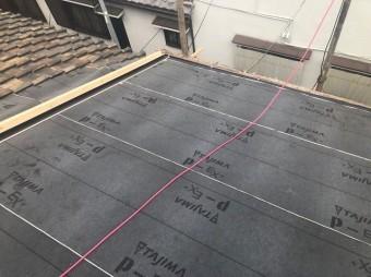 防水紙の設置大屋根部分