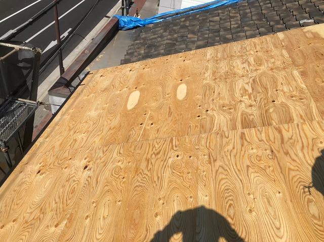 奈良市の雨漏り修理の野地板の増し張り