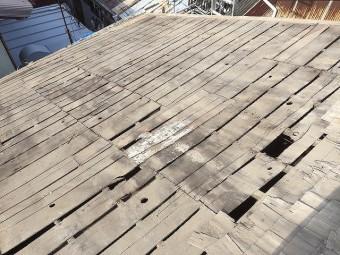 屋根修理工事の工程でバラ板が登場