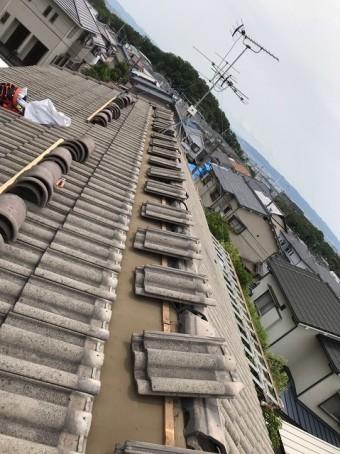 桜井市 モニエル瓦屋根 棟瓦施工中