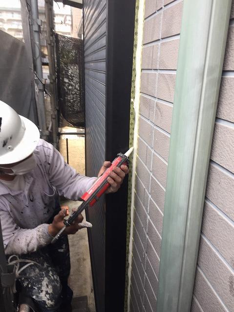 外壁シール打ち作業